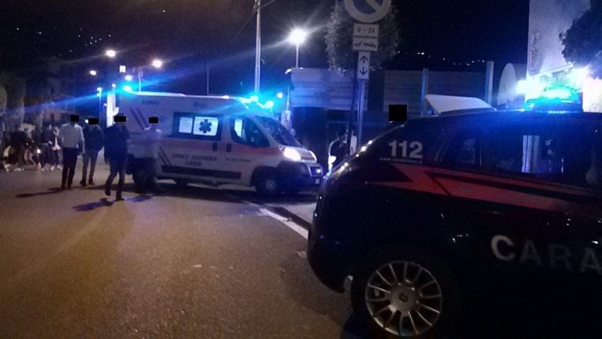 Roma, auto invade corsia opposta e travolge scooter: due morti